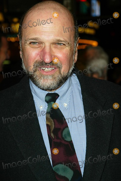 Andrew Davies Photo - Collateral Damage Premiere at Mann Village in Los Angeles Andrew Davis Photo by Fitzroy Barrett  Globe Photos Inc 2-4-2002 K23962fb (D)