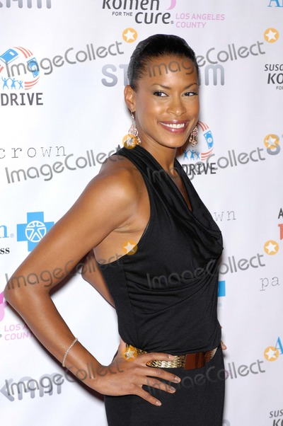 Kearran Giovanni Photo - Kearran Giovanni During the Susan G Komen Designs For a Cure Gala Held at the Millennium Biltmore Hotel on October 13 2012 in Los Angeles Photo Michael Germana  Superstar Images - Globe Photos