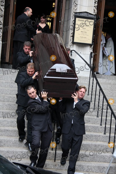 Dominick Dunne Photo - Funeral For Dominick Dunne at the Church of Saint Vincent Ferrer Newyork City 09-10-2009 Photo by William Regan- Globe Photos Inc 2009