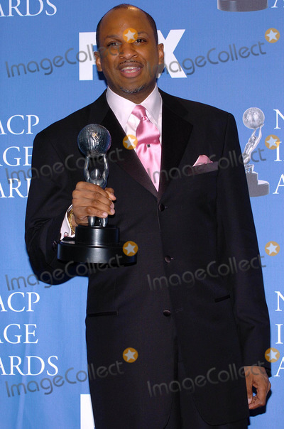 Donnie Mcclurkin Photo - 35th Naacp Image Awards Press Room at the Universal Amphitheatre in Studio City CA 03062004 Photo by Fitzroy BarrettGlobe Photos Inc 2004 Donnie Mcclurkin