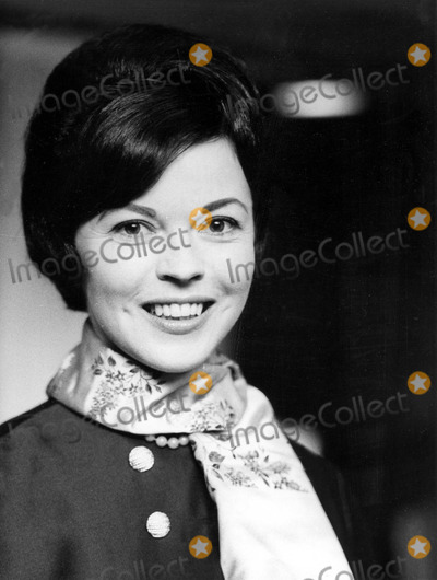 Shirley Temple Black Photo - Shirley Temple Black in London 6151965 Supplied by Globe Photos Inc