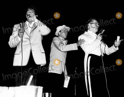 Dean Martin Photo - Frank Sinatra with Dean Martin and Milton Berle at Share Party a600-96 Photo by Globe Photos Inc