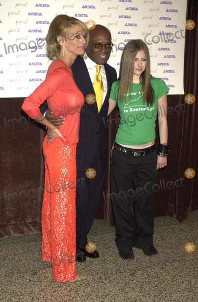 Avril Lavigne Photo - an Evening to Benefit Pencil and New York City Schools at the Hammerstein Ballroom in New York City 11182002 Photo by John KrondesGlobe Photos Inc 2002 Lisa Belzberg Antonio Reid and Avril Lavigne