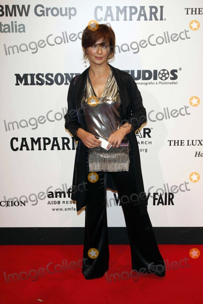 Laura Morante Photo - Laura Morante Arriving at the Amfar Gala and Auction at Villa Borghese in Rome Italy on October 24th 2008 Photo by Alec Michael-Globe Photos Inc 2008