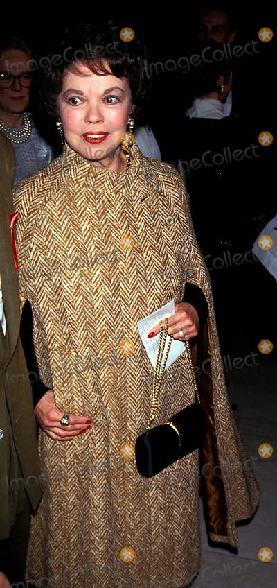 Shirley Temple Black Photo - Sd0222 Dw Griffith Awards Shirley Temple Black Photo John Barrett  Globe Photos Inc 1993 Shirleytempleblackretro