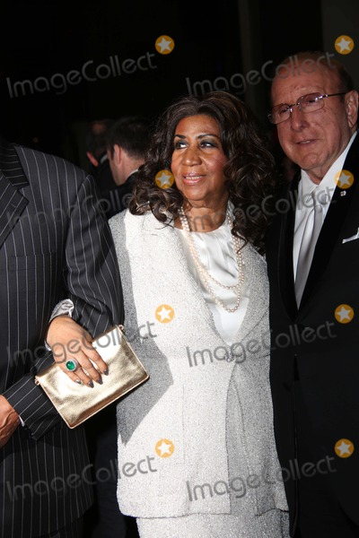 Aretha Franklin Photo - The Fashion Group International Presents the 30th Annual Night of Stars Galaxy Cipriani Wall Street NYC October 22 2013 Photos by Sonia Moskowitz Globe Photos Inc 2013 Aretha Franklin Clive Davis