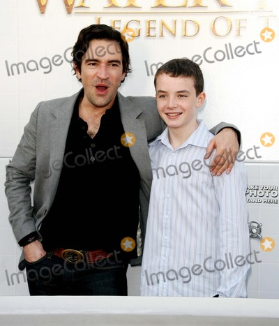 Alex Etel Photo - the Water Horse Legend of the Deep Special Screening Arclight Cinerama Dome Theatre Hollywood CA 120807 Ben Chaplin and Alex Etel Photo Clinton H Wallace-photomundo-Globe Photos Inc