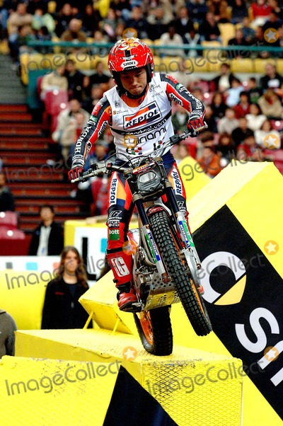 Takahisa Fujinami Photo - 20060225 Lisboa Portugal - Lisbon Receives For the 7th Time the World Championship of Trial Indoor at Pavilhao Atlantico in Picture Takahisa Fujinami Photo Alvaro IsidorocityfilesGlobe Photos Inc