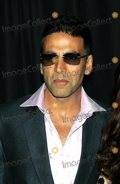 Akshay Kumar Photo - Akshay Kumar Arrives For the Premiere of Chandni Chowk to China at the Amc Empire 25 Theater in New York on January 8 2009 Photo by Terry GatanisGlobe Photos Inc