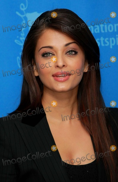 PINK PANTHER Photo - Aishwarya Rai Actress attends the Photocall For the Pink Panther 2 at the Berlin Grand Hyatt Hotel During the 59th Berlin International Film Festival 2009 Photo by Dave Gadd-allstar-Globe Phtos Inc 2009