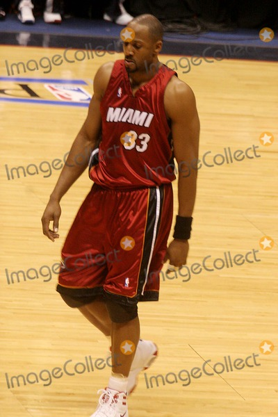 uk availability a0e72 fc664 Alonzo Mourning Pictures and Photos