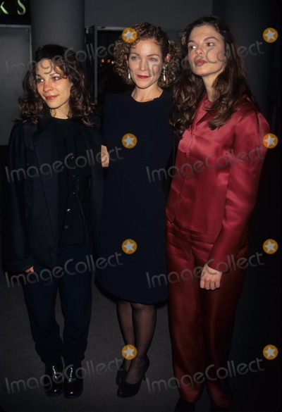 Jeanne Tripplehorn Photo - Amy Irving with Lili Taylor Jeanne Tripplehorn Three Sisters Open Nigh on Broadway at Roundabout Theater New York 1997 Photo by Walter Weissman-Globe Photos Inc