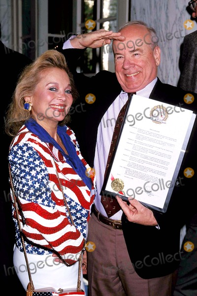 Tim Conway Photo - Veteran of the Year Award Luncheon in Honor of Tim Conway Tim Conway and Carol Conners Photo Tom Rodriguez - Globe Photos Inc 1998 Timconwayretro