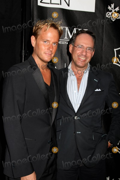 Andrew Saffir Photo - Donna Karan and Urban Zen present the First Annual Stephen Weiss Apple Award honoring President Bill Clinton Courtney Ross and Dr Mehmet OzThe Urban Zen Center at the Stephen Weiss Studio NYCJune 9 2011Photos by Sonia Moskowitz Globe Photos Inc 2011ANDREW SAFFIR