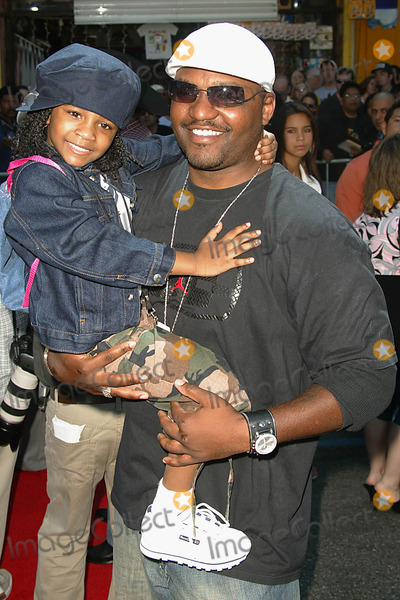 Aries Spears Photo - Home on the Range Premiere at the El Capitan Theatre Hollywood Los Angeles USA 03212004 Photo Alec Michael Globe Photos Inc 2004 Arie Spears