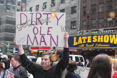 Alaska  Photo - Protesters Outside Late Show with David Letterman Protest Against David Lettermans Joke About Alaska Governor Sarah Palins Daughter Photo by John Barrett-Globe Photos Inc 2009
