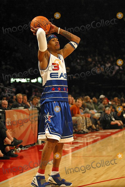 Allen Iverson Photo - Allen Iverson K46874jbba Mcdonalds Celebrity Allstar Game at the Toyota Center Houston  Texas 02-17-2006 Photo by Jbarrett-allen-Globe Photoinc
