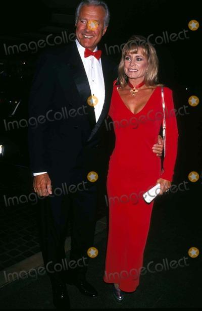 Lyle Waggoner Photo - Lyle Waggoner and Wife Sharon Photo by Michael FergusonGlobe Photos Inc