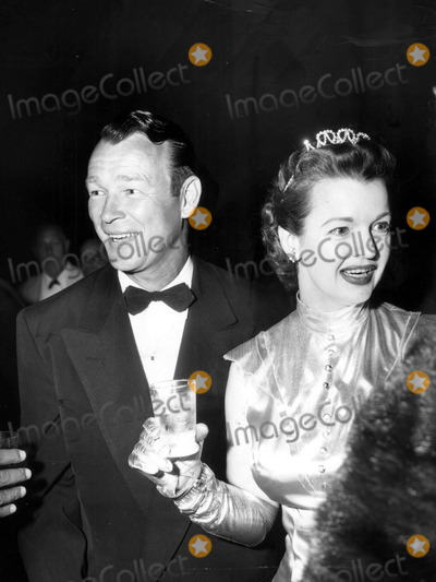 Roy Rogers Photo - Roy Rogers and Dale Evans at the Fund Raising Ball For the San Fernando Valley Presbyterian Hospital 05091958 Photo by Nat DallingerGlobe Photos