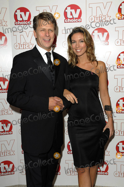 Emma Crosby Photo - Andrew Castle  Emma Crosby Tv Presenters 2009 Tv Quick and Tv Choice Awards at Dorchester Hotel in Park Lane  London  England 09-07-2009 Photo by Neil Tingle-allstar-Globe Photos Inc
