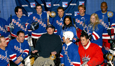 Amani Toomer Photo - K35130RMSUPERSKATE VIA CELEBRITY HOCKEY EVENT TO BENEFIT RANGERS CHEERING FOR CHILDREN AND CRPF AT MADISON SQUARE GARDEN IN NEW YORK CITY1252004PHOTO BYRICK MACKLERRANGEFINDERSGLOBE PHOTOS INC  2004ROD GILBERT CHRISTOPHER REEVE DAVID BOREANAZ TIA TEXADA WILL DEVRY AMANI TOOMER AND CRYSTAL HUNT
