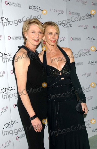 Cathleen Black Photo - I9275KBATHE 2ND ANNUAL LEGENDS GALA PRESENTED BY LOREAL PARIS AND OVARIAN CANCER RESEARCH FUND AT THE METROPOLITAN PAVILLION AND ALTMAN BUILDING IN NEW YORK CITY ON NOVEMBER 4 2004  PHOTO BY KEN BABOLCSAYIPOLGLOBE PHOTOS INC 2004CATHLEEN BLACK AND TRUDIE STYLER