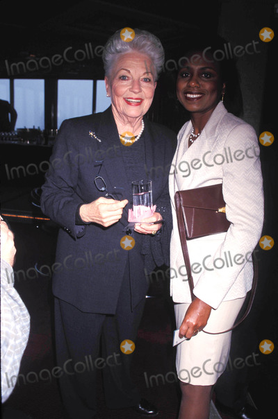 Ann Richards Photo - Citymeals -on-wheels 12 Annual Power Lunch For Women at the Rainbow Room New York City 11-17-1998 Ann Richards and Anita Hill Photo by Rose Hartman-Globe Photos Inc 1998 Annrichardsretro