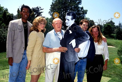 Anthony Griffith Photo - Bob Hope Anthony Griffith Susie Locks Dana Gould and Susan Norfleet Photo Bymichael FergusonGlobe Photos Inc 1994 Bobhoperetro