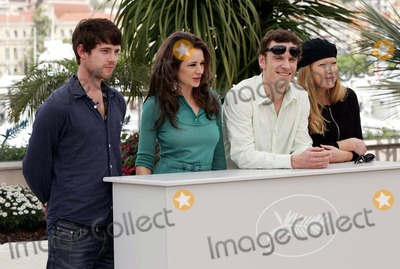 Andrea Arnold Photo - Film Team (Harry Treadaway Kierston Wareing Michael Fassbender Andrea Arnold) Fish Tank Photo Call at the 2009 Cannes Film Festival at Palais Des Festival Cannes France 05-14-2009 Photo by Roger Harvey-Globe Photos Inc 2009