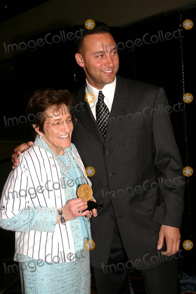 Adele Photo - Yankees Derek Jeter Receives the R Brinkley Smithers Award For Those Helping the Fight Against Alcholism Marriott Marquis New York City 04-26-2006 Adele C Smithers-fornaci and Derek Jeter Photo by Barry Talesnick-ipol-Globe Photos Inc