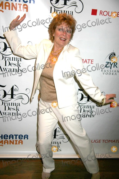 ANITA GILLETTE Photo - Drama Desk Awards Pre-ceremony Vip Reception Rouge Tomate Restaurant NYC May 17 09 Photos by Sonia Moskowitz Globe Photos Inc 2009 Anita Gillette