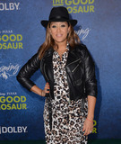 Tamera Mowry-Houser Photo 4