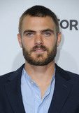 Alex Roe Photo 4