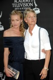Portia De Rossi Photo 4