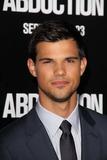 Taylor Lautner Photo 4