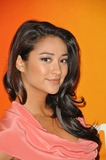 Shay Mitchel Photo 4
