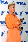 Alecia Beth Moore Photo 4