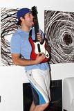 Zach Levi Photo 4