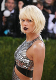 Photo - Photo by XPXstarmaxinccomSTAR MAX2016ALL RIGHTS RESERVEDTelephoneFax (212) 995-11965216Taylor Swift at Manus x Machina Fashion In An Age of Technology Costume Institute Gala(Metropolitan Museum of Art NYC)