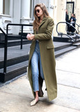 Photo - Photo by KGC-146starmaxinccomSTAR MAX2017ALL RIGHTS RESERVEDTelephoneFax (212) 995-119612717Gigi Hadid is seen in New York City