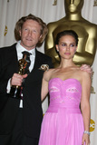 Anthony Dod Mantle Photo - Anthony Dod Mantle winner for Best Achievement in Cinematography for Slumdog Millionaire and Natalie Portman pose at the 81st Annual Academy Awards press room held at the Kodak Theater on February 22 2009 in Hollywood CA