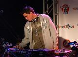 Adam (DJ AM) Goldstein Photo - NEW YORK SEPTEMBER 29 2005    Adam DJ AM Goldstein at the debut of Iz from Zizzle at Toys R Us