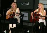 Aly & AJ Photo 4