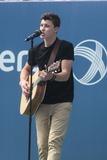 Shawn Mendes Photo 4