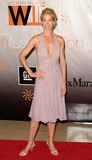 Jenna Elfman Photo 4